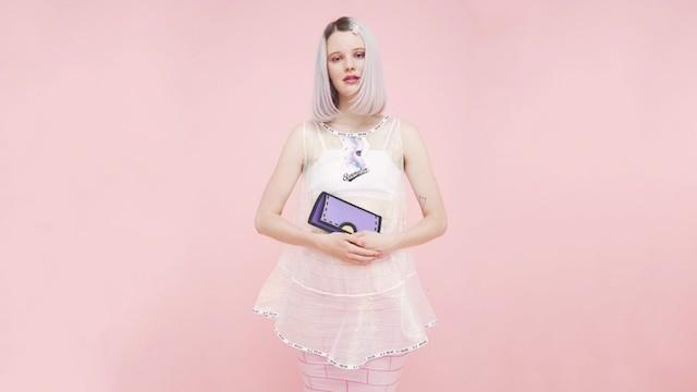 Cartoon-Bags-Fashion-Photography-5